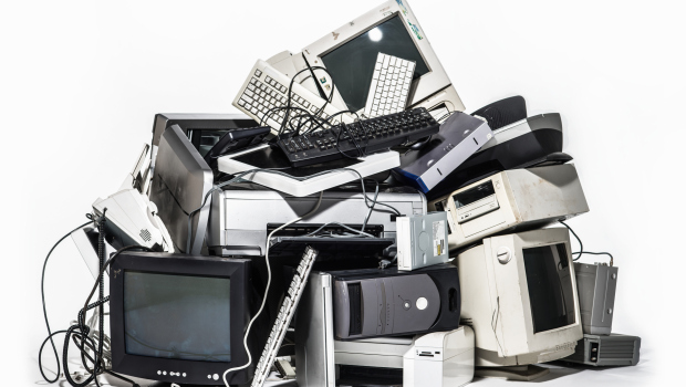 pile-of-old-computers-1